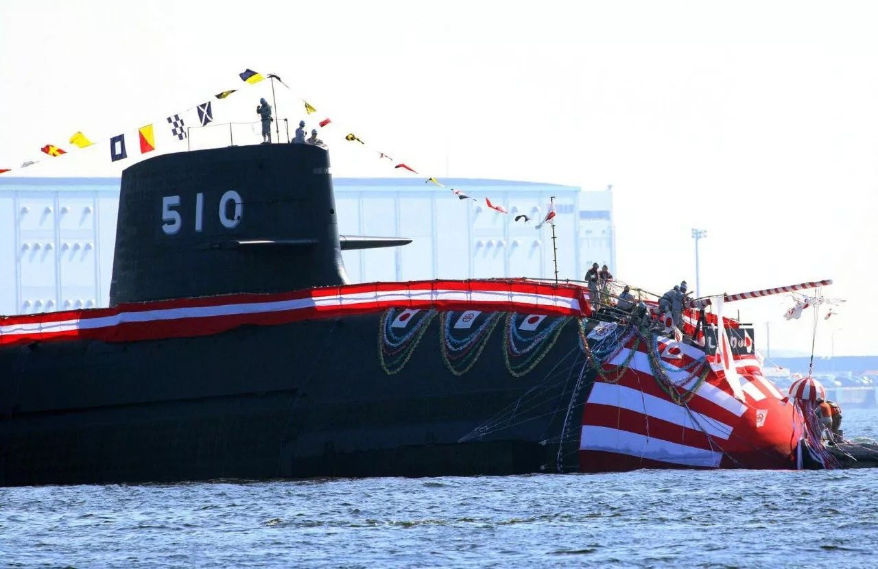 """▲11月6日下水的苍龙级10号艇""""升龙""""号潜艇"""