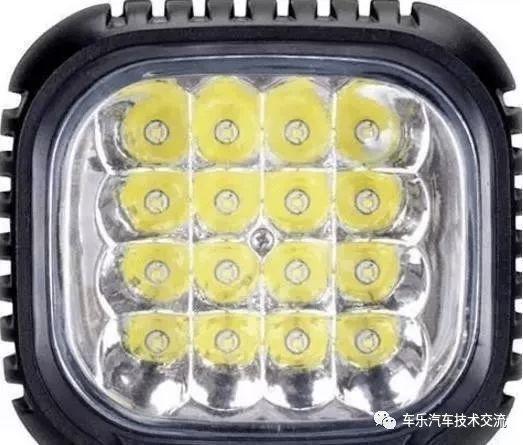 汽車上裝LED燈駕照被扣12分?大家覺得是活該還是被冤枉呢?