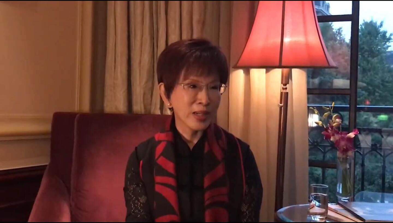 洪秀柱于社交媒体进行直播呼吁国民党现任主席吴敦义强硬起来(视频截图)