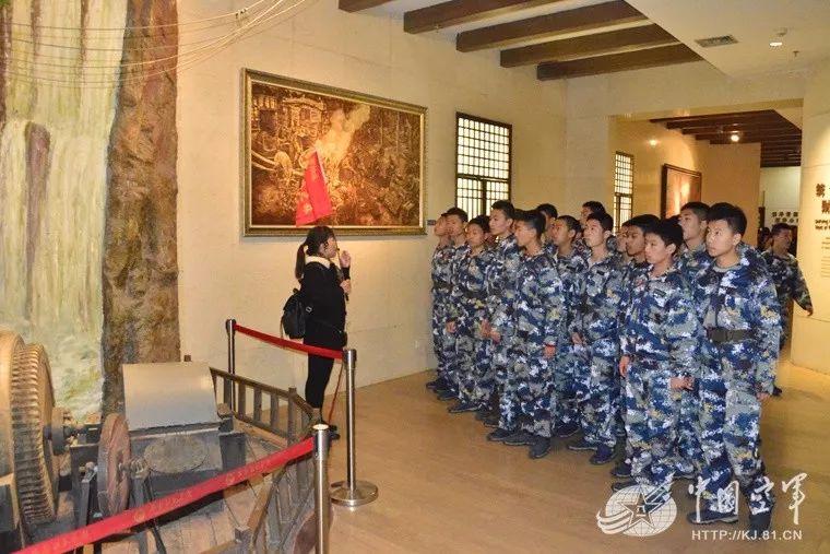 三大战役、召开七届二中全会乃至 学生不时在大量文物、照片和历史图片