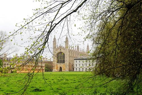 资料图片:这是英国剑桥大学国王学院外景(2012年5月3日摄)。新华社记者 殷刚 摄