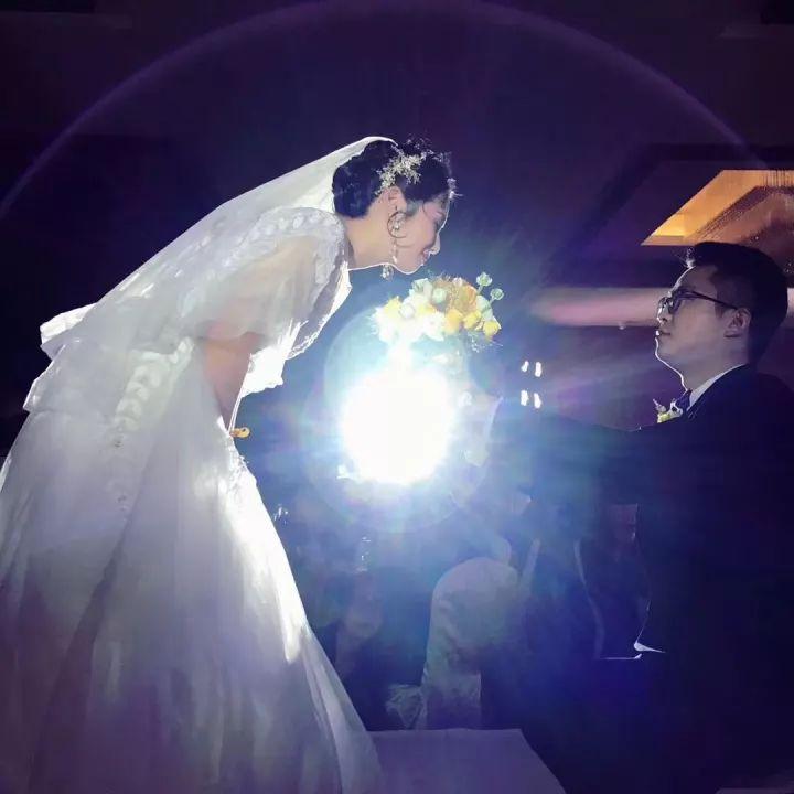 弟弟结婚了