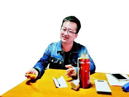 图为:张文龙已在华师就读一年多