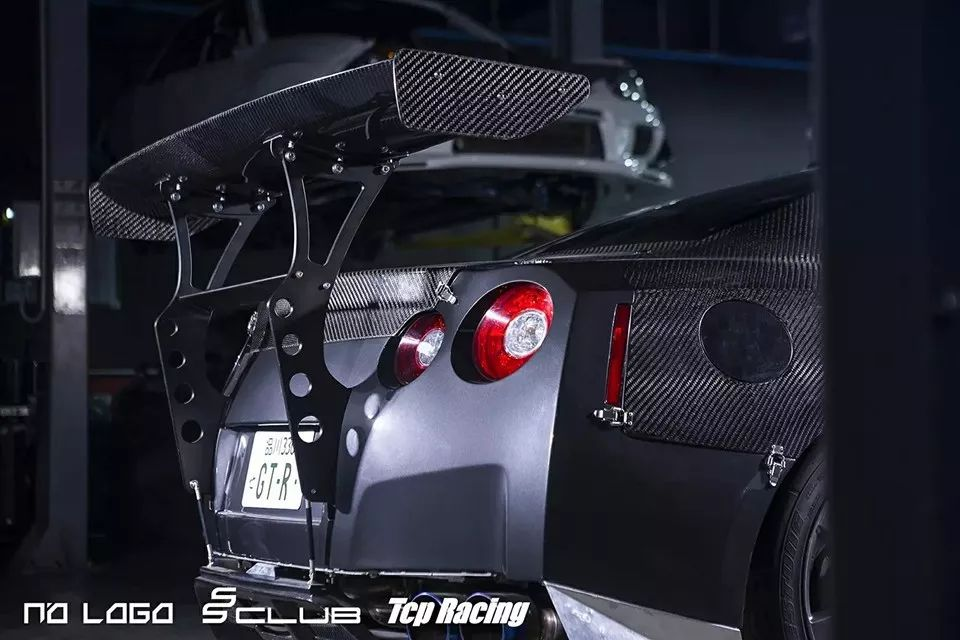 神进化论!碳纤维战神GTR R35改装案例