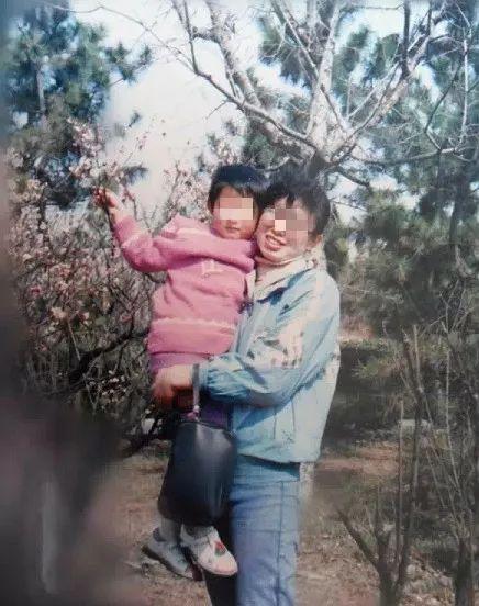 ▲江歌从小与母亲相依为命。