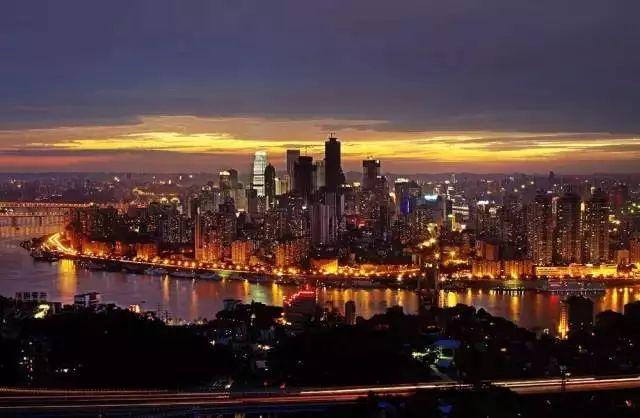 还出什么国?去一次重庆就等于去了全世界,不信你看!