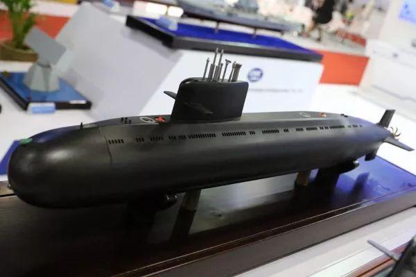 ▲中方在2017曼谷防务安全展上展出的S26T型潜艇模型(英国谢泼德媒体公司网站)