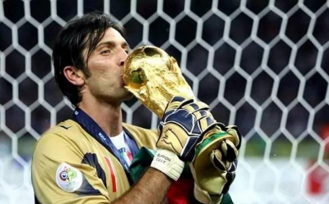 意大利无缘2018世界杯!39岁的布冯老泪纵横说再见