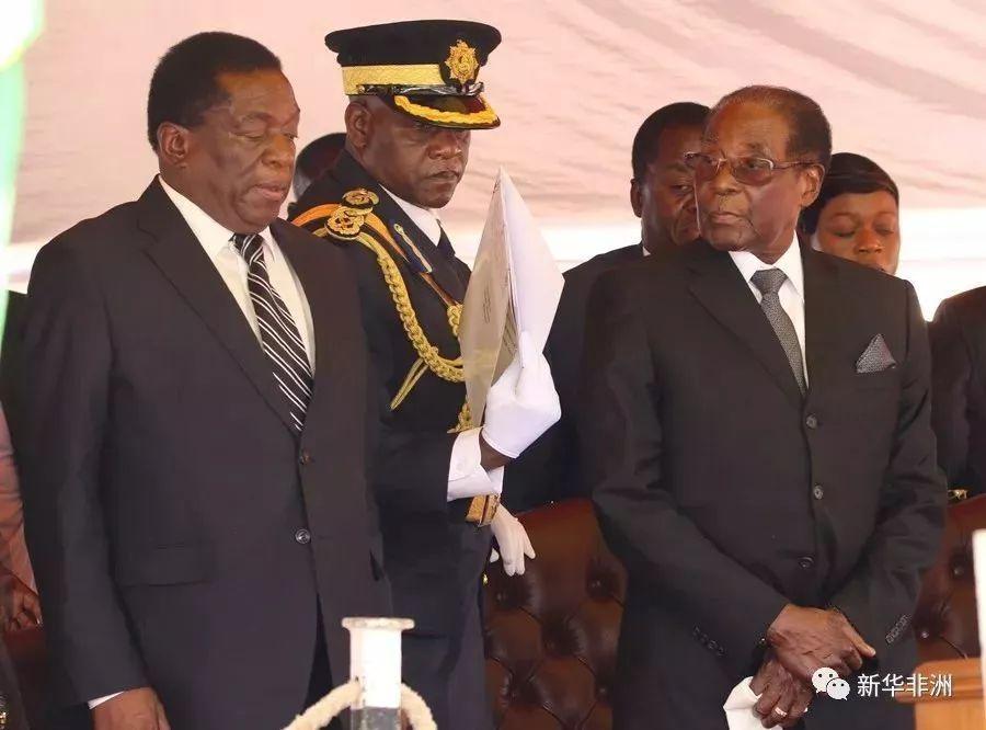 ▲津巴布韦总统穆加贝(右)与副总统姆南加古瓦。图/新华社