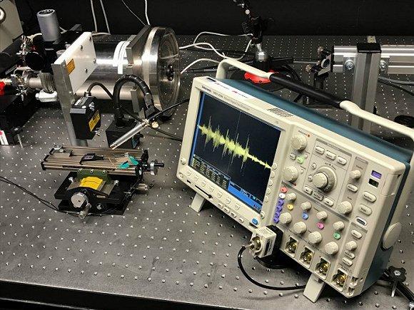 华为芬研所内的音频测试设备