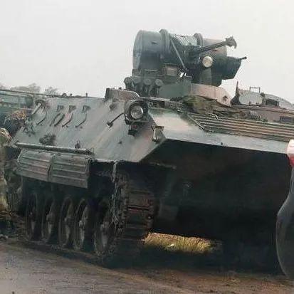 津巴布韦突发政变,街头亮相的这款武器,让军迷看傻了眼