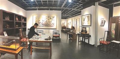 及书画,瓷器,紫砂,刺绣等居家装饰,摆设200余件,展厅结合生活场景布置图片