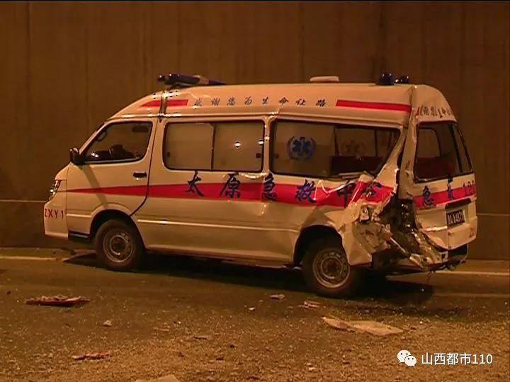 太原建设路:危急!车祸现场,医生施救过程中冲来一辆渣土车……(视频)