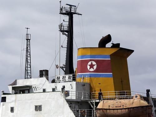 资料图片:朝鲜货轮。新华社/路透