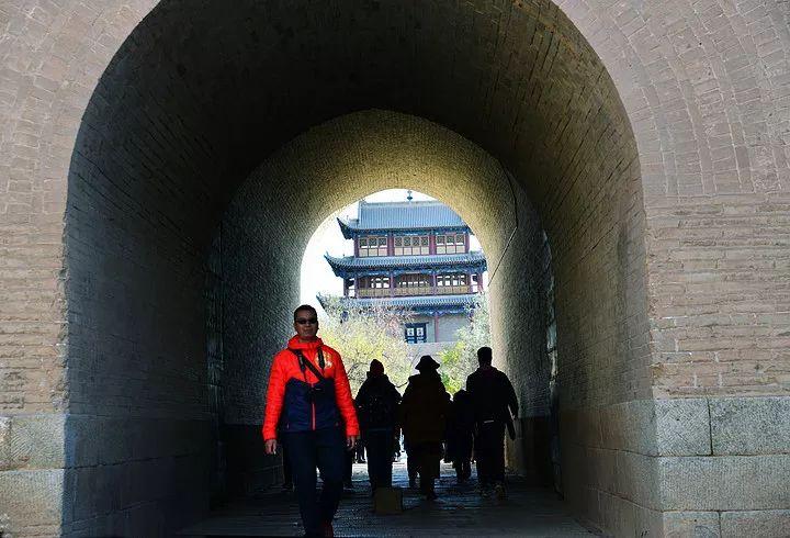 比亚迪王朝车队探秘丝绸之路西北自驾游(下):天空之镜八匹神驹
