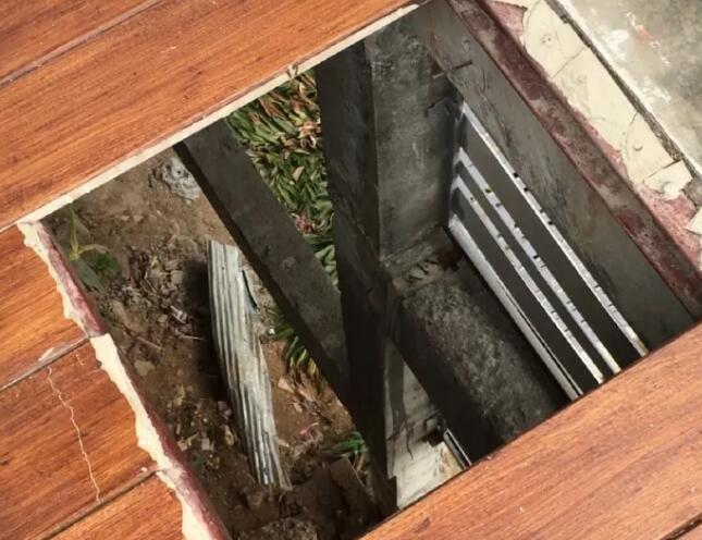 该酒店地板破裂后的照片(图源:泰国头条新闻)