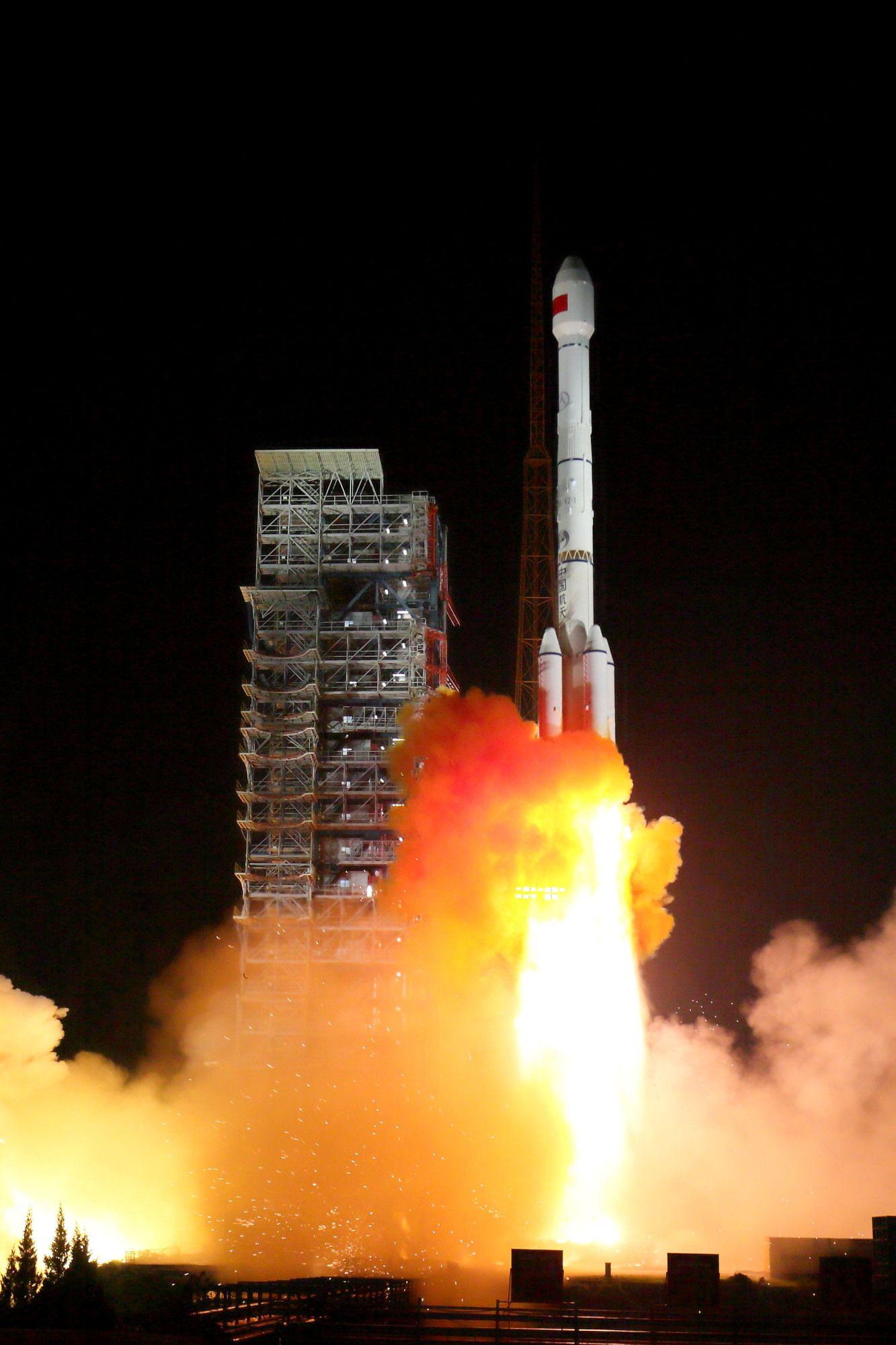 ▲11月5日,两颗北斗三号卫星搭载长征火箭发射成功。