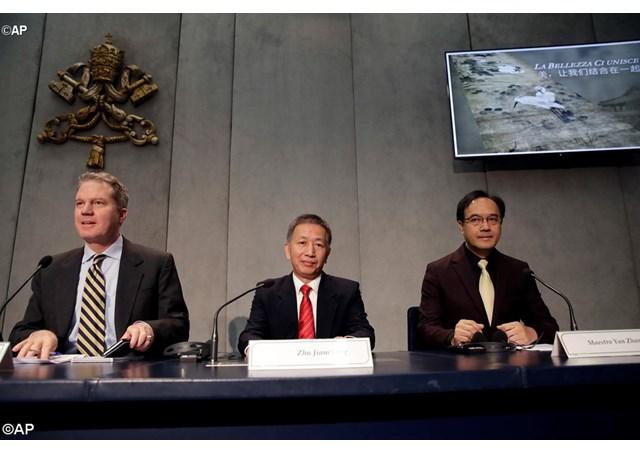 """梵蒂冈方面当日举行记者会宣布梵蒂冈博物馆与中国文化工业投资基金将首次团结举行""""中梵双向同步艺术展"""""""
