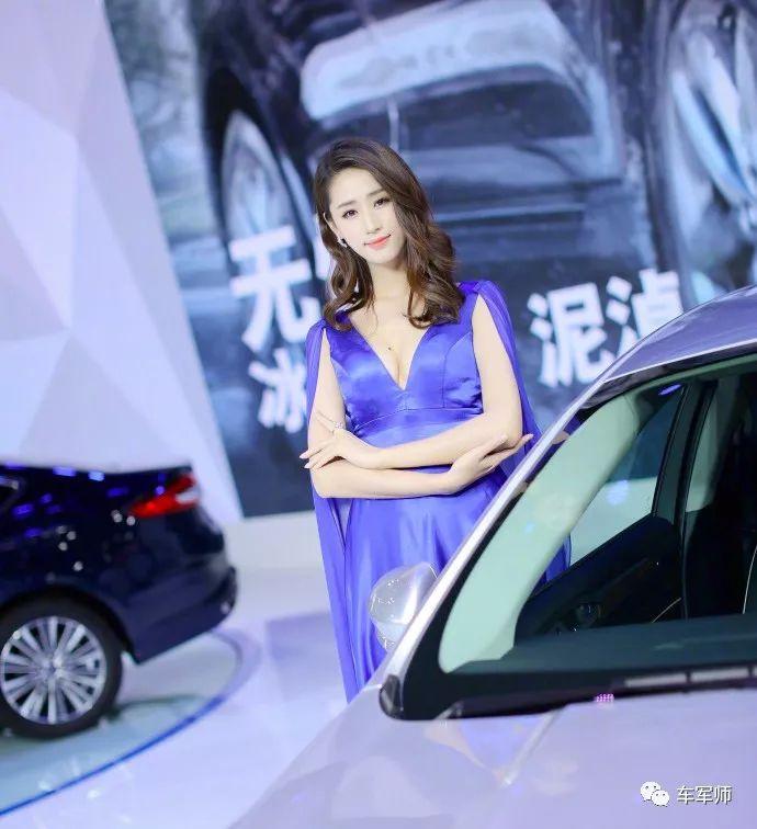 广州车展最美3大车模:纯情邻家女斗美性感洋模特