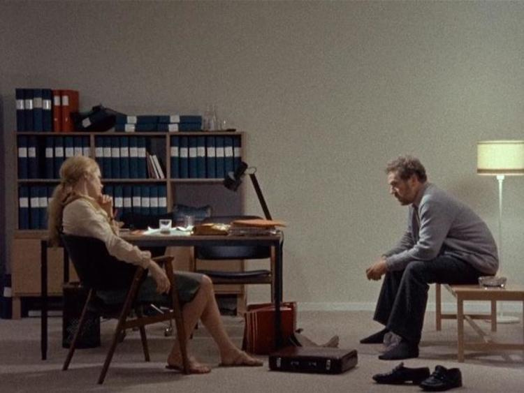 时隔 10 年,导演过士行改编了伯格曼话剧《婚姻情境》
