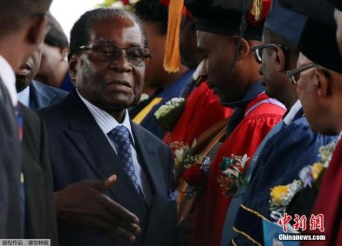 资料图:津巴布韦总统穆加贝。