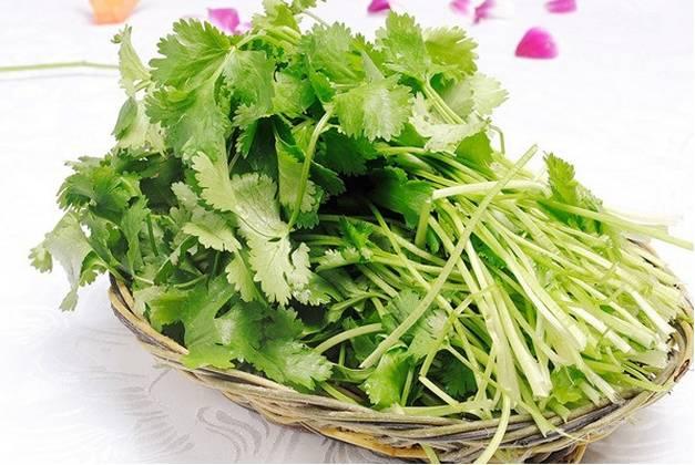 潮汕一女子每天吃煮熟的香菜,30天以后惊呆了所有人!