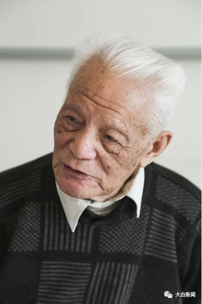 89岁高龄的郭老依然精神矍铄
