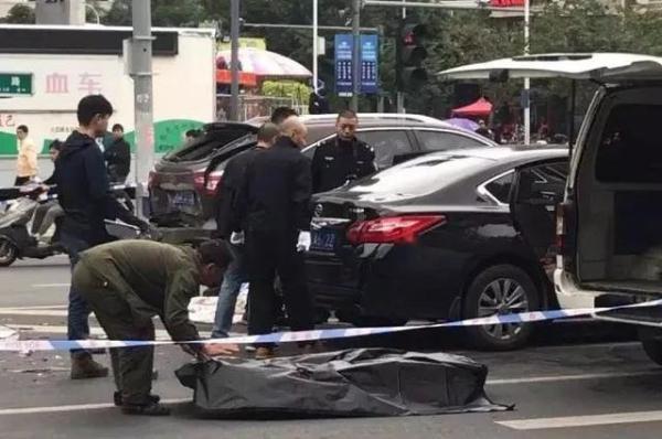 交通事故现场。FM1007福建交通广播 图