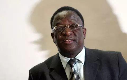 津巴布韦新任总统:第一批赴华进行军事训练 发_端午节短信息