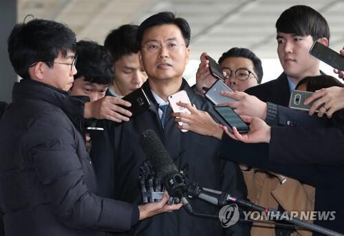 图注:前韩国国情院第二次官崔润守