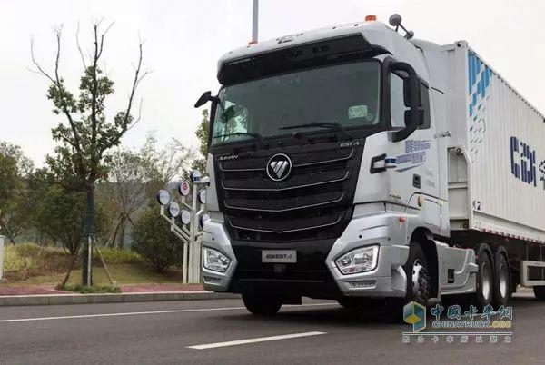 """坐""""欧曼EST-A自动驾驶卡车""""啥感觉?司机全程不用方向盘(视频)"""
