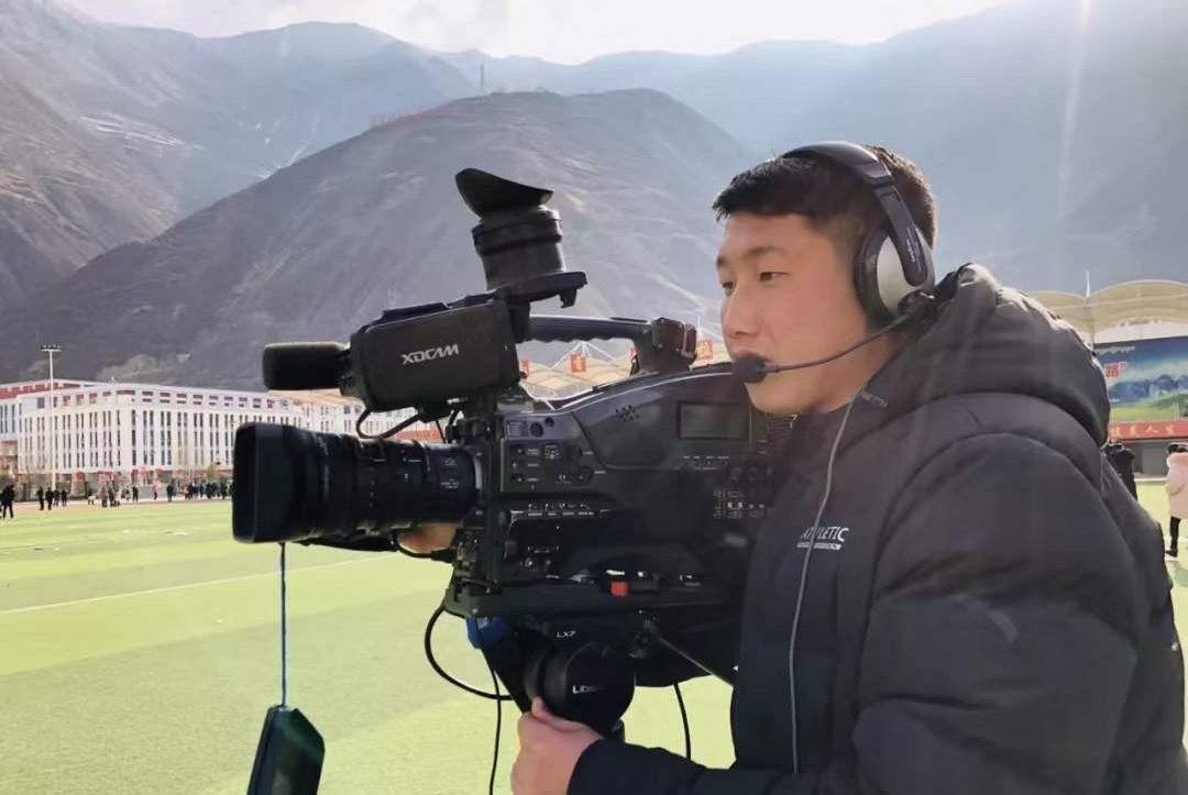 """mry娱乐网站 - """"盗贼头目""""胡歌来宁谈突破"""