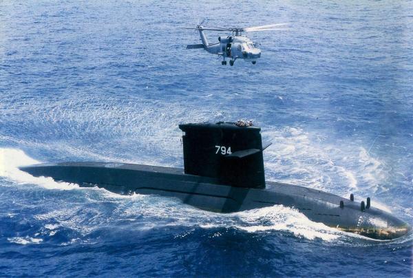 """台湾地区海军装备的""""海龙""""级常规潜艇,该潜艇从荷兰引进。"""