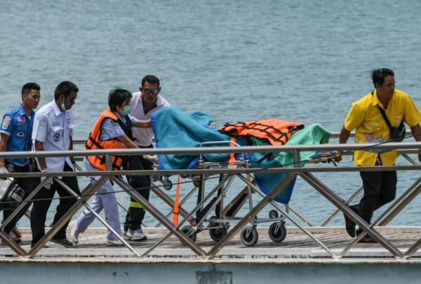 阿里巴巴:两位员工及家属在普吉岛游船倾覆事故中不幸