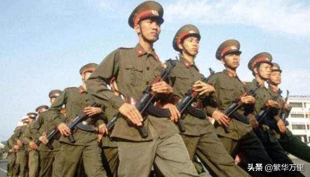 越南军队的一个标准步兵班,1979年,火力到底有多么猛?