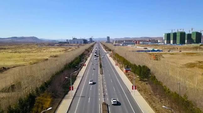 内蒙古交警 逆行时冬寒城寂,归来日春和景明