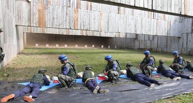 """台当局的举办""""国防教育""""活动(图片来源:《中国时报》)"""