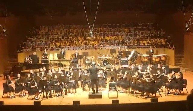 中国学生悉尼歌剧院奏响《我和我的祖国》