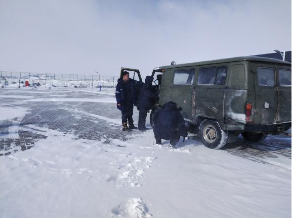 呼和浩特海关多举措应对大雪天气保通关(图)
