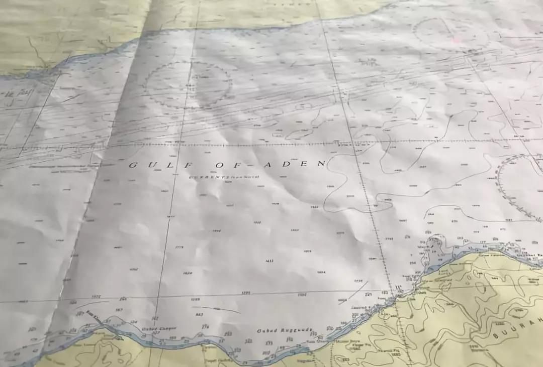 亚丁湾海域传来一个声音:我是中国海军515舰