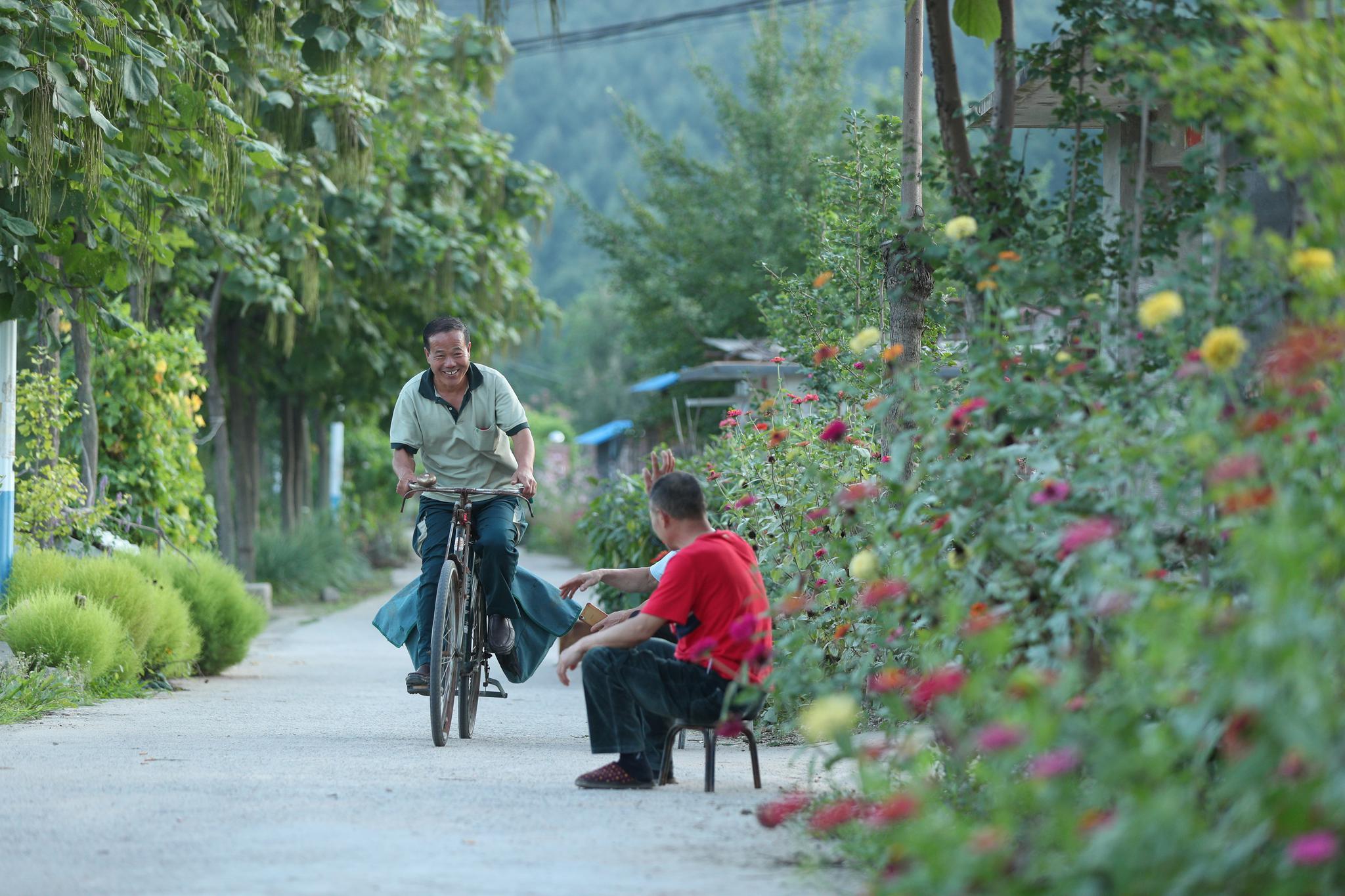 乡村邮递员耿有伟:远山、盘山路和6辆自行车见证他的26年