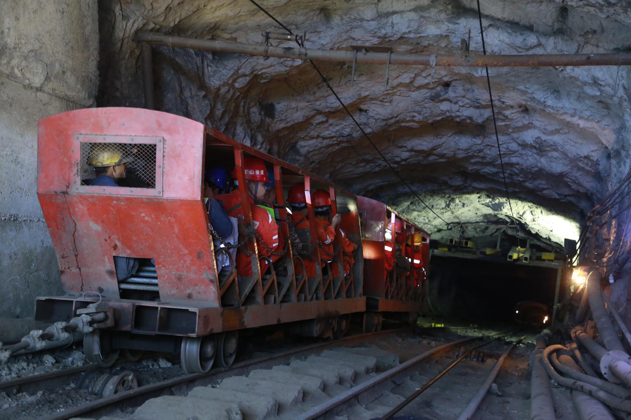 最新1号庄娱乐官网_新进展!大潮高速第二长隧道左线顺利贯通,预计2020年项目全线通车