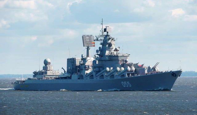 关键时刻,055巡洋舰和西宁舰同时开往波斯湾,伊朗:40年来首次