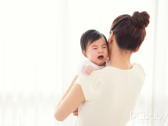 听说宝宝不能抱着摇晃,真的吗?