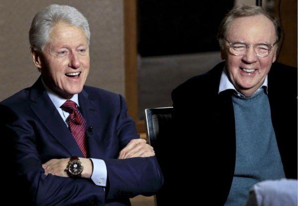 美国前总统克林顿(左)和人气作家帕特森就新作《失踪的总统》接受采访。(图片来自美联社)
