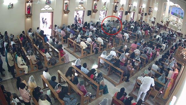 自杀式炸弹袭击者进入教堂后,在祈祷人群中引爆炸弹。图/斯里兰卡当地?#25945;錋da Derana