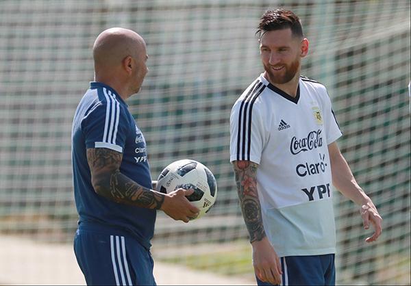 桑保利或留任主帅,这次阿根廷足协别再坑梅西