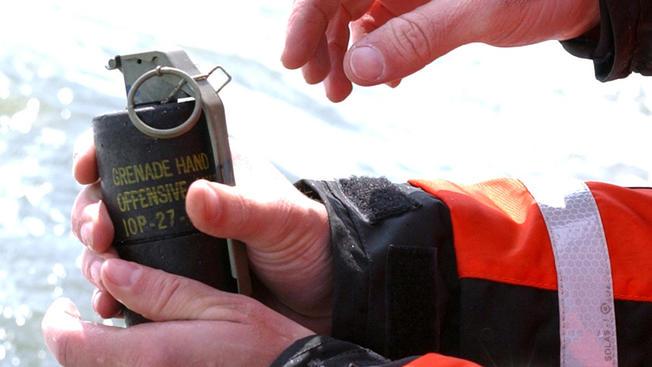 (震荡手榴弹,U.S。 Coast Guard)