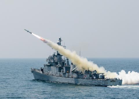 韩国导弹护卫舰训练中发生爆炸 致21岁军人死亡