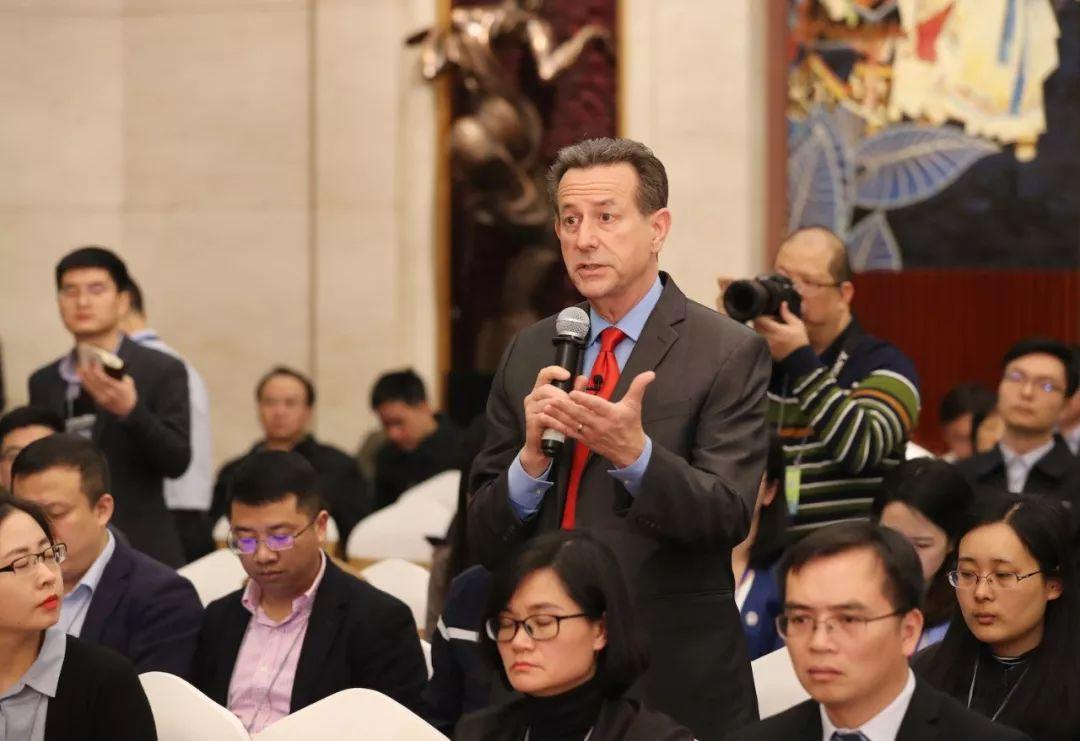 聚焦广西代表团开放日:鹿心社陈武等代表这样答记者问